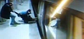 Imagini terifiante! O tânără a sărit pe șinele de metrou în stația Dristor. Aceasta a fost salvată în ultimul moment