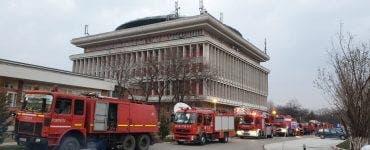 Incendiu la Politehnica Bucureşti! S-au văzut degajări mari de fum din clădirea Rectoratului