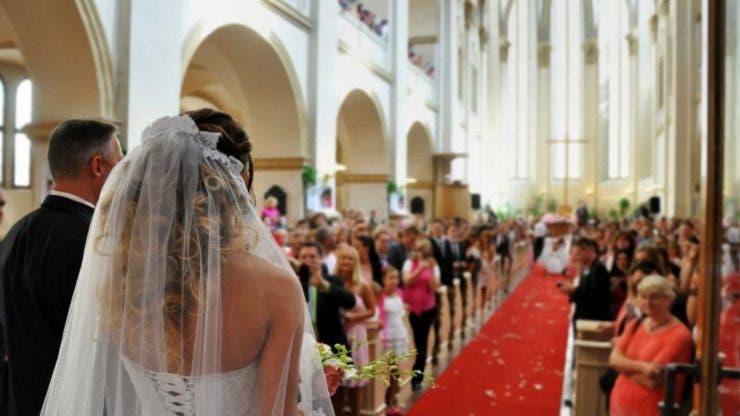 Amanta a apărut în timpul ceremoniei de nuntă.