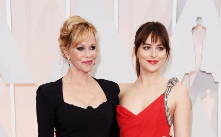 Dakota Johnson si mama ei