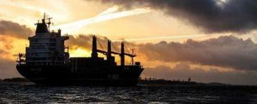 Mai mulți marinari români aflați pe o navă sub pavilion olandez au fost răpiți de pirați în vestul Africii