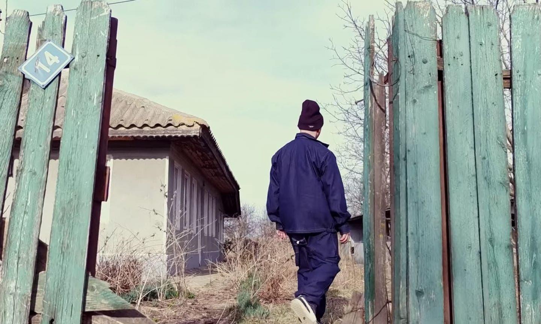 Puya și-a cumpărat o casă la țară