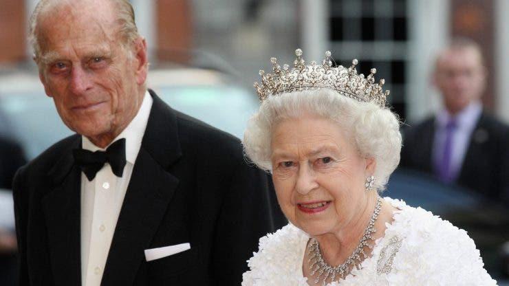 Soțul Reginei Elizabeta a II-a a fost mutat într-un alt spital.