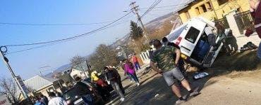 Imagini de la accidentul din Suceava în care a fost implicat un microbuz școlar VIDEO