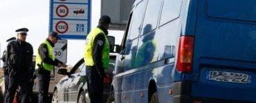 Autocar plin cu români, sechestrat în Franța! Toți pasagerii aveau teste PCR false