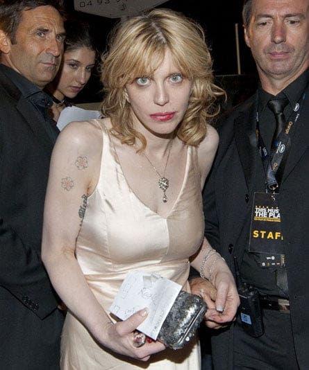 Văduva lui Kurt Cobain a ajuns de nerecunoscut! Cum au transformat-o drogurile pe Courtney Love