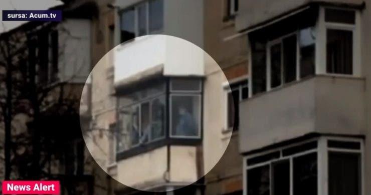 Noi imagini din timpul intervenției eșuate a polițiștilor din Onești! Un vecin a surprins momentul în care Trupele Speciale au pătruns în apartament