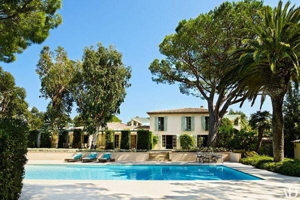 Cum arată casa lui Giorgio Armani! Celebrul designer de modă a investit o avere în ea