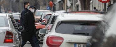 """Florin Cîțu s-a alăturat campaniei """"Vinerea Verde""""! Premierul României a mers pe jos până la Guvern"""