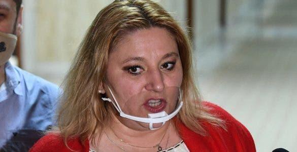 Comisia Juridică a Senatului a constatat că Șoșoacă a încălcat dentologia parlamentară