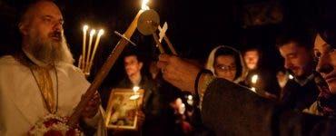 Românii vor putea sta și în biserică la slujba de Înviere.