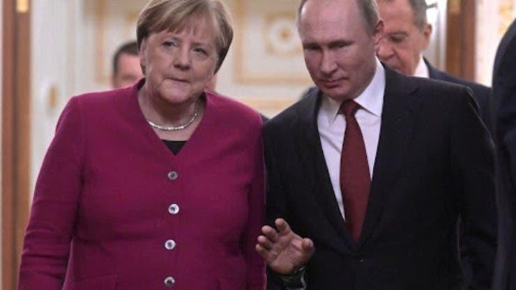 Angela Merkel a vorbit la telefon cu Vladimir Putin! Cancelarul Germaniei îi cere să reducă numărul de trupe ruse de la granița cu Ucraina