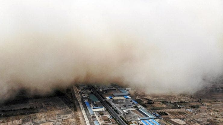 Nordul Chinei este acoperit cu un nor imens de nisip! Care este explicația fenomenului care apare în fiecare primăvară