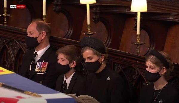A atras toate privirile! Cine era băiatul de 13 ani care a participat la înmormântarea Prinţului Philip