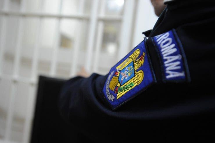 Un polițist nu a putut interveni la o urgență pentru că era la pensat! Cum a fost surprins agentul