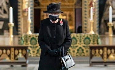 Ce ținută va purta Regina Elisabeta la înmormântarea Prințului Philip! O avea pregătită de mult timp