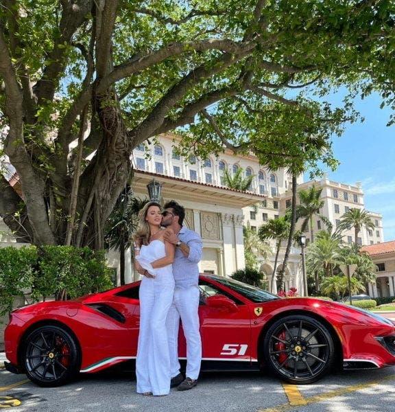 Fosta soție a lui Cristi Borcea s-a logodit cu un milionar american! Cum a reacționat afaceristul când a aflat