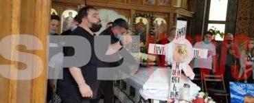 Florin Salam a cântat la căpătâiul lui Ion Petrișor! Impresarul maneliștilor va fi îngropat astăzi