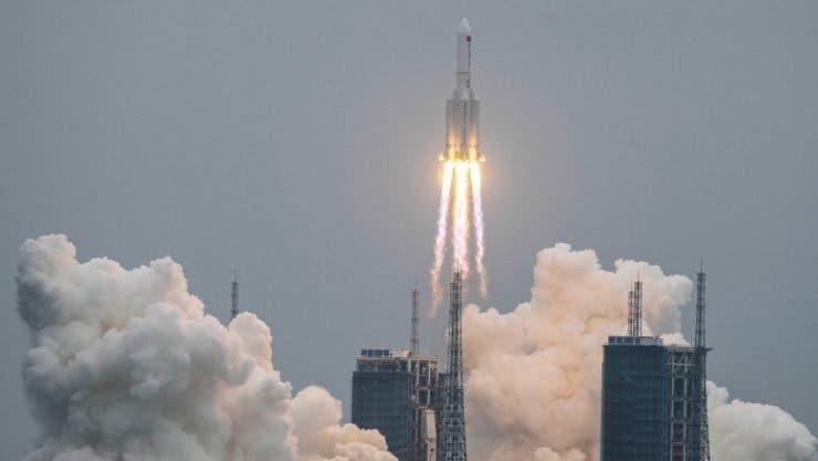 Resturile rachetei chinezești au ajuns duminică în Oceanul Indian! O mare parte din componente au ars la reintrarea în atmosferă