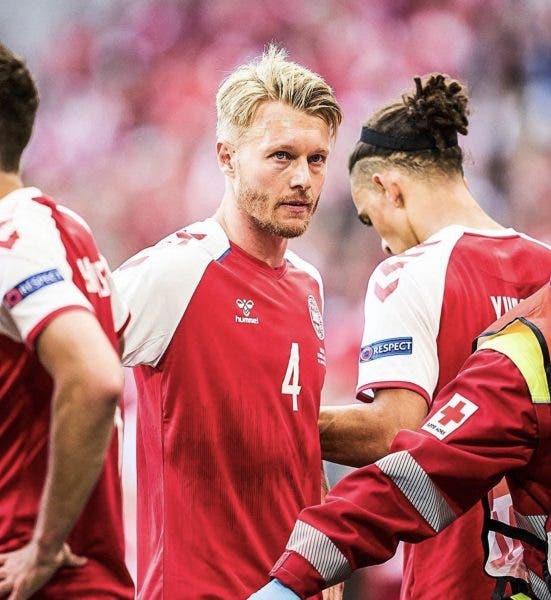 Cine e fotbalistul care i-a salvat viața lui Christian Eriksen! Sportivul i-a acordat primul ajutor