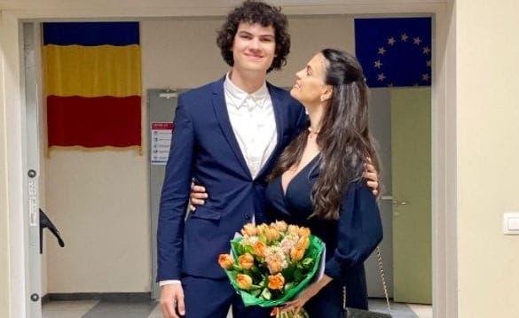 """EXCLUSIV Anca Serea a făcut primele declarații după absolvirea fiului său! Ce carieră își dorește să urmeze pe viitor David: """"Simt și bucurie și teamă într-un fel"""""""