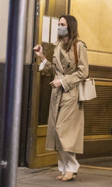 Angelina Jolie și-a vizitat fostul soț! Artista a petrecut trei ore acasă la acesta