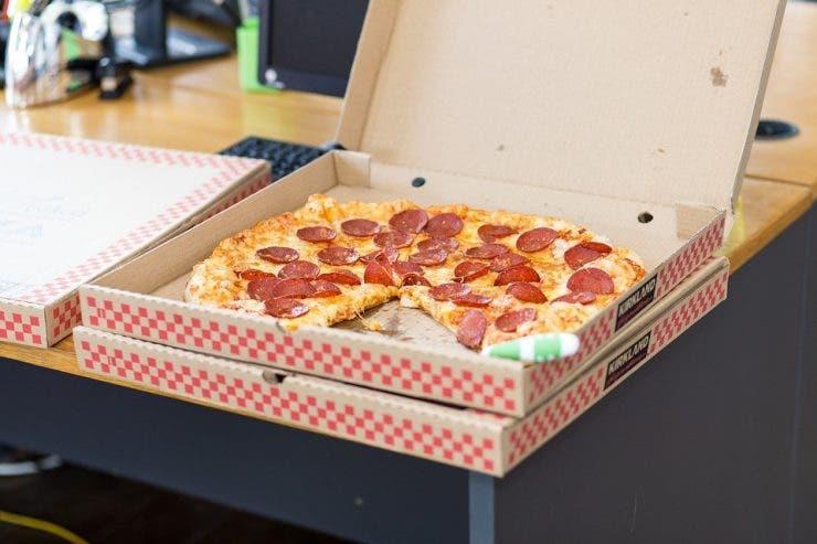 "Ce mesaj a trimis un client unui restaurant de la care comandase pizza! Angajații au izbucnit în răs: ""Am primit o pizza..."""