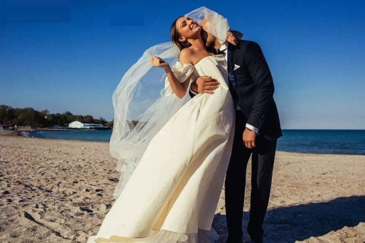 Cu cine s-a casatorit Alexandra Stan in secret