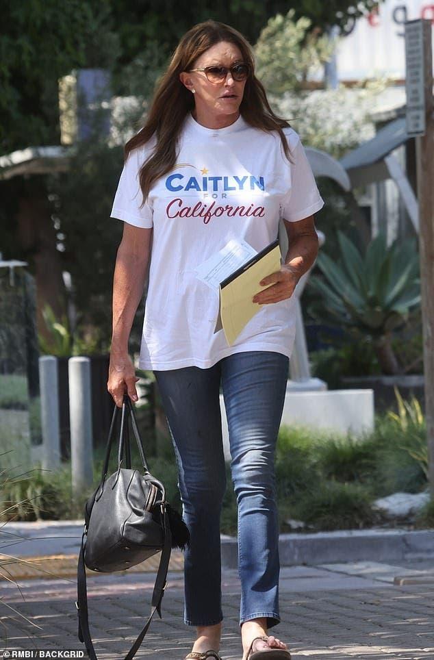 Ce s-a ales de fostul soț, devenit femeie, al lui Kris Jenner? Fotografii recente
