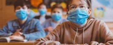 Elevii vor purta măști de protecție și în noul an școlar. Anunțul a fost făcut de ministrul Sănătății