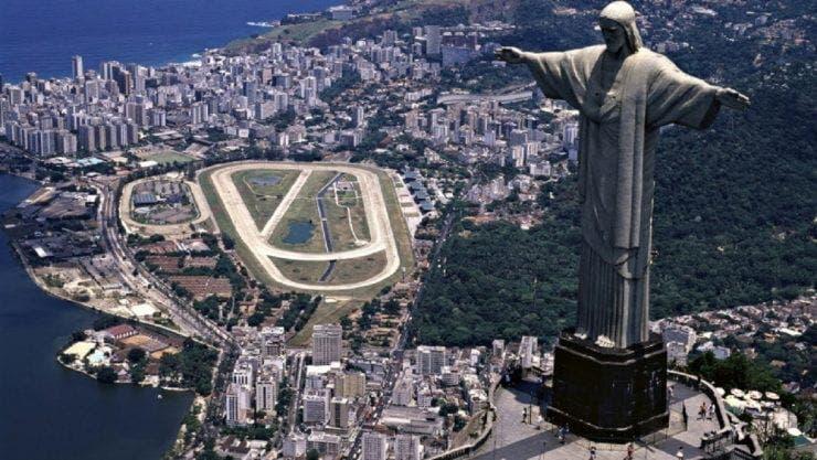Este admirată zilnic de sute de mii de turiști, însă puțini știu acest lucru! Statuia lui Iisus din Brazilia a fost realizată de un român