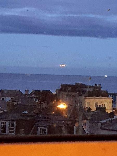 Fotografia care i-a șocat pe toți! Un OZN de dimensiuni mari a fost surprins deasupra mării