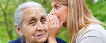I-a povestit bunicii că este înșelată de soț.