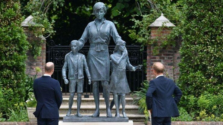 Statuia Prințesei Diana, catalogată drept hidoasă