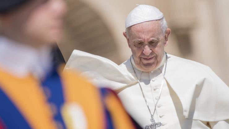 Papa Francisc are probleme de sănătate! Cât timp a stat suveranul pontif în operație