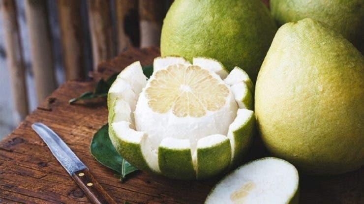 15 motive pentru care trebuie să consumi pomelo