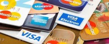Anunț pentru românii care au card la bancă! Se schimbă cardurile bancare