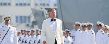 Cât a costat costumul purtat de Klaus Iohannis de Ziua Marinei. Cătălin Botezatu l-a dat de gol