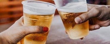 Cât costă o bere în cluburile de fițe din Mamaia! Turiștii sunt indignați