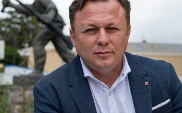 Fiul cel mic al lui Ion Dolănescu are mari șanse să ajungă vicepreședintele statului Costa Rica. Ce lovitură a dat Dragoș Dolănescu înainte de alegeri