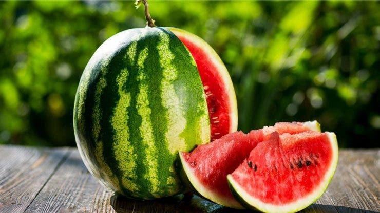 Pepenele roșu a devenit unul dintre cele mai toxice fructe de pe piață.
