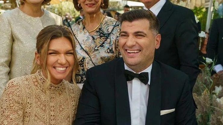 Singurul accesoriu purtat de Simona Halep la nuntă. Cât costă brățara de la mâna jucătoarei de tenis