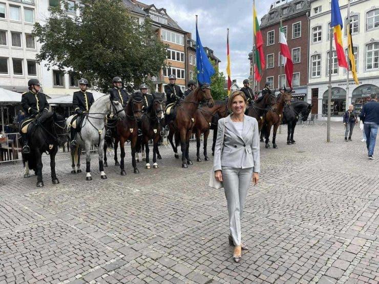 Carmen şi Klaus Iohannis au arătat impecabil la un eveniment din Germania. Ce ținută a purtat Prima Doamnă