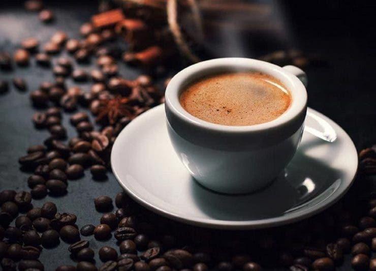 Ce se întâmplă, de fapt, cu corpul uman dacă un dependent de cafea încetează subit să o mai consume