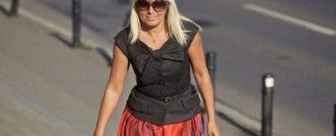 Ce ținută a purtat Elena Udrea la plimbarea în parc cu fetiță. Fostul ministru a scos din buzunar 1500 de euro pentru aceste haine
