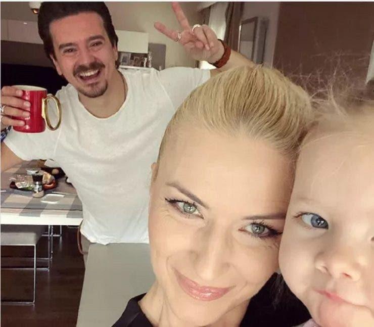 Cum arată fiica cea mică a lui Mihai Petre. Ariana îi seamănă mult