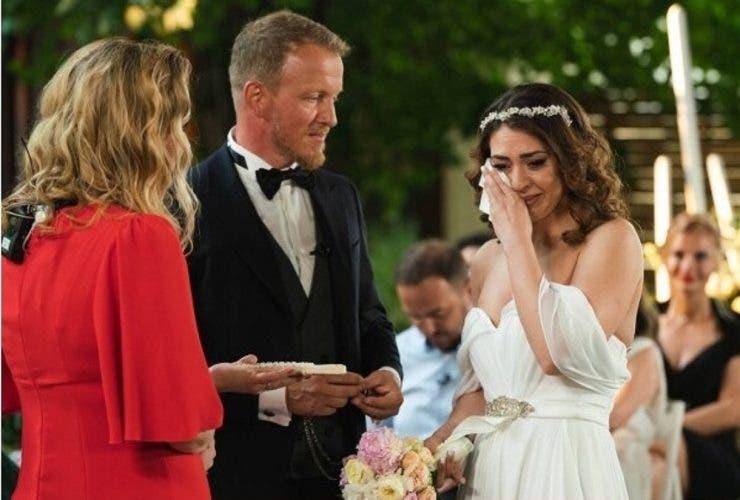 """Momente de groază la """"Căsătoriți pe nevăzute"""". Miresei i s-a făcut rău după ceremonie """"Ar fi un motiv de despărțire"""""""