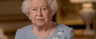 """Motivul din cauza căruia Regina Elisabeta a ajuns la spital. """"Se uită la televizor până noaptea târziu"""""""